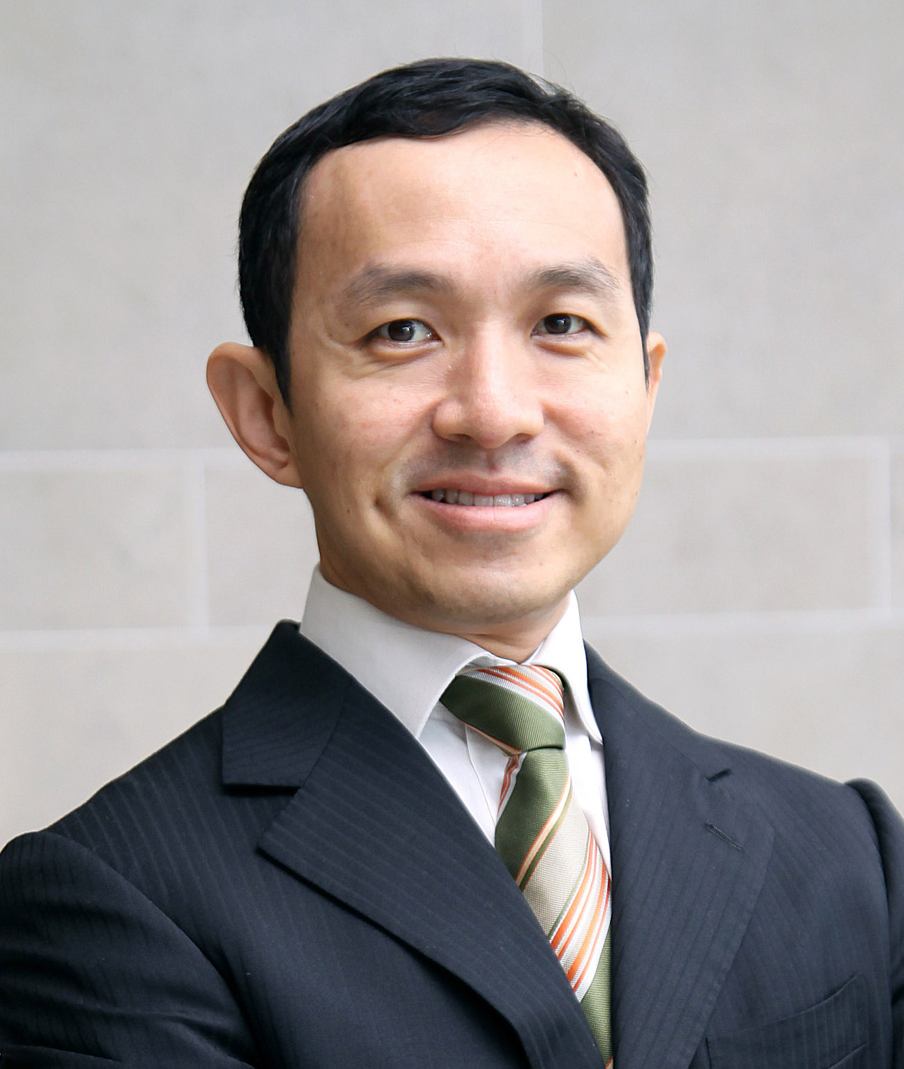 Photo of Dr Yong Wei Peng